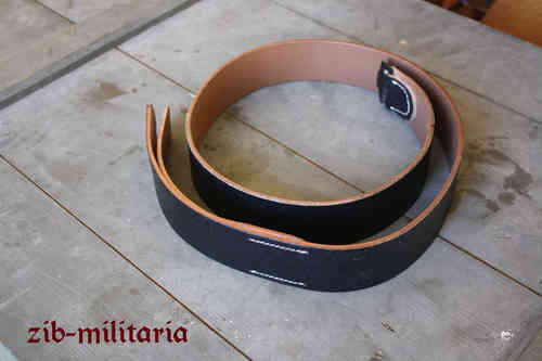 WH leather belt