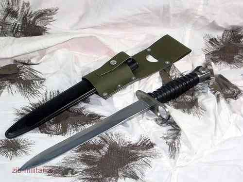 Swiss Stgw.57 bayonet with oliv frog