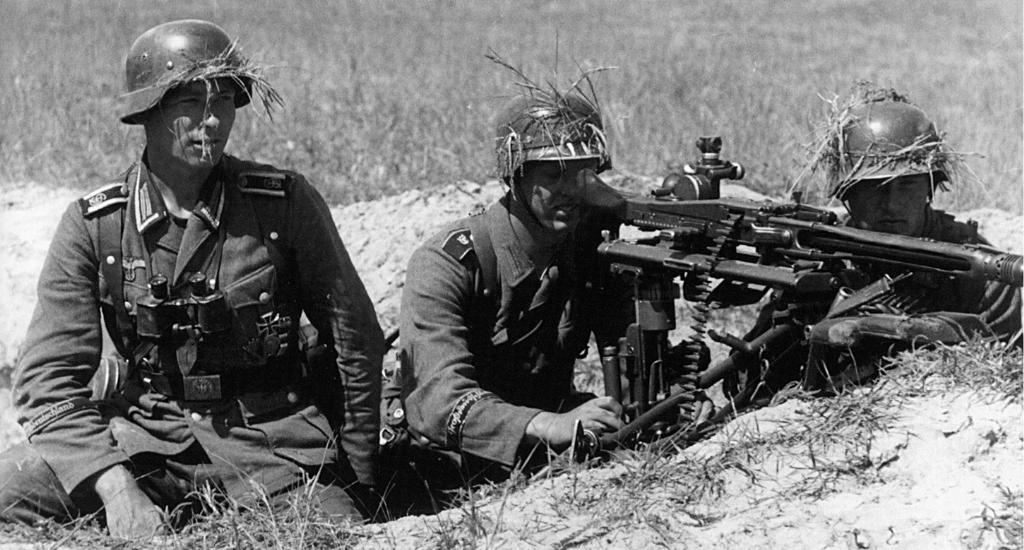 دراسة عن سبب اخفاق الجيش الالماني في صد الهجوم السوفياتي 1943 - 1945 Smg42