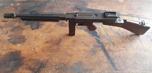 Thompson 1928A1, deactivated MP (WWII)