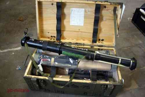 RPG75 with rocket, Training-model