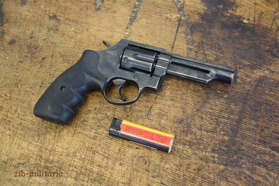 Taurus  357 Mag , deactivated revolver