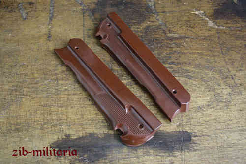 WH redish-brown Bak. handguard for the Denix MP40