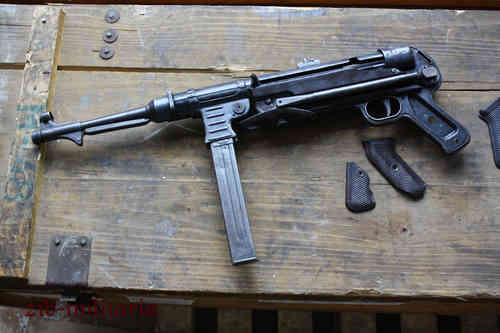 "MP40 ""bnz41"", deactivated MP (WWII)"