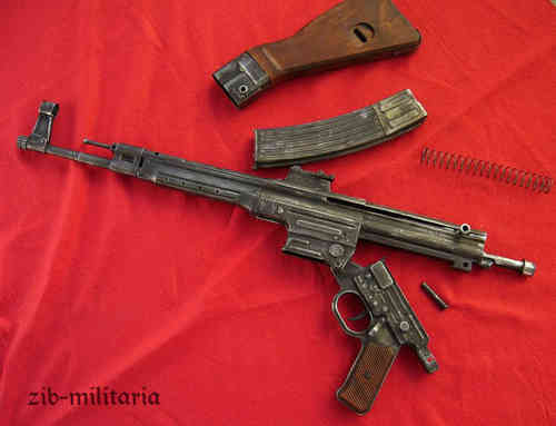 "WH MP44 ""cos"" (gebr. Merz Werke), aged/stamped, assault rifle model"