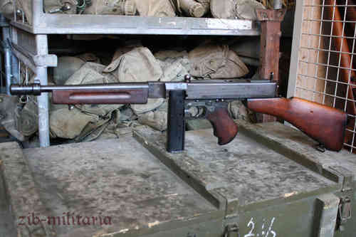 Thompson 1928A1 flat barrel, deactivated MP (WWII)