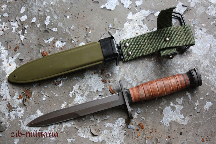 US M1 Carbine bayonet with scabbard