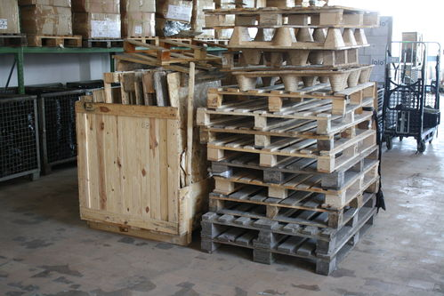 Palets, Boxes, Wood for heater/burner for free pick-up in Hamburg