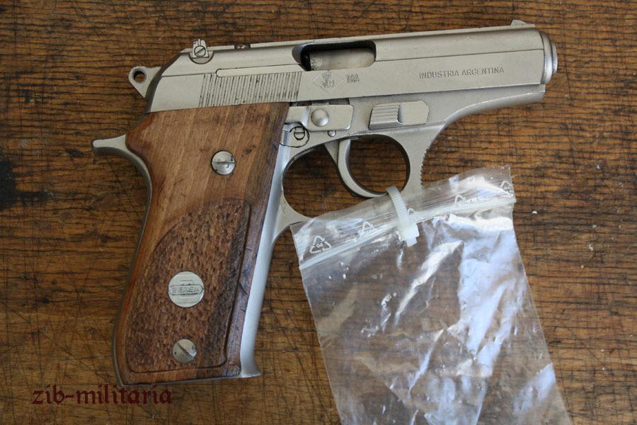 Bersa 85 ohne magazin deko pistole for Deko magazin
