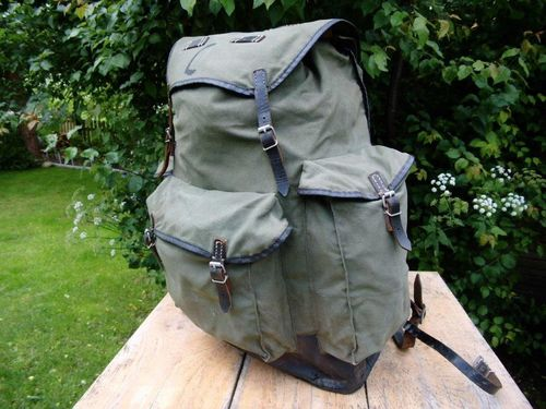 WH like Rucksack (German 50th), oliv