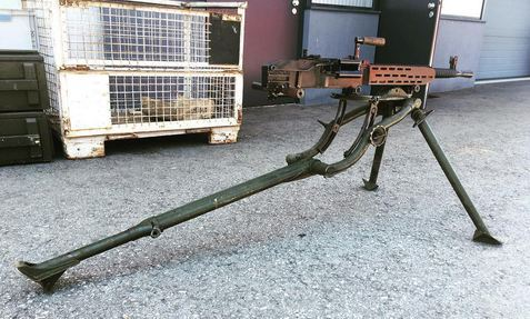 ZB37 with field tripod, long early tripod, deactivated MG