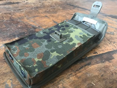 UZI H&K mag pouch, dot camo, with 3 mint UZI mags